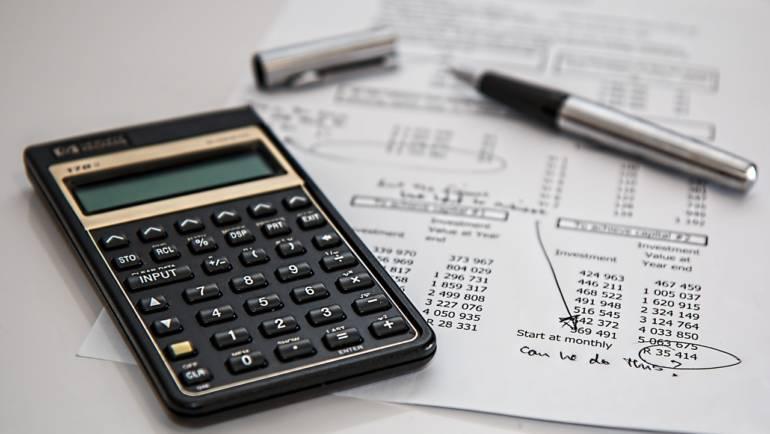 Steuern & Gebühren