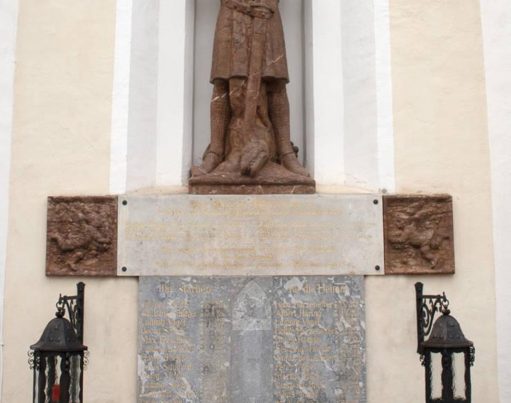 Kriegerdenkmal in Günz renoviert